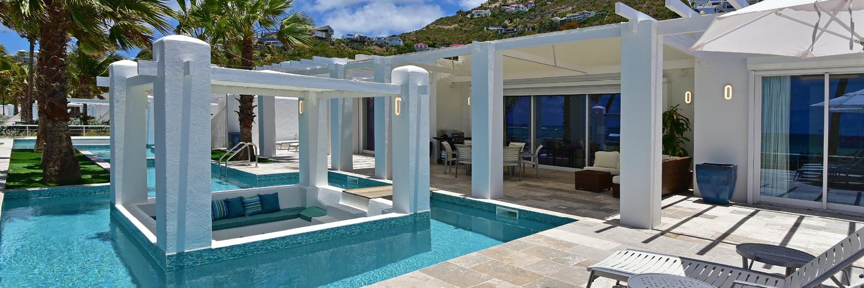 Beachfront Villa Pool